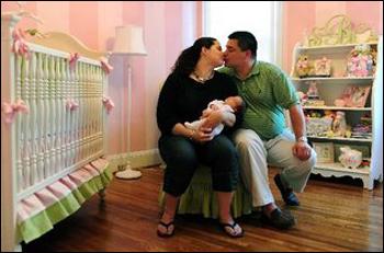 ولادة طفلة من حيوانات منوية مجمدة منذ 22 عاما!!!
