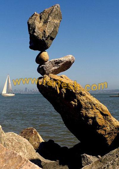 توازن عجيب بالصور Amazing_Rock03.jpg