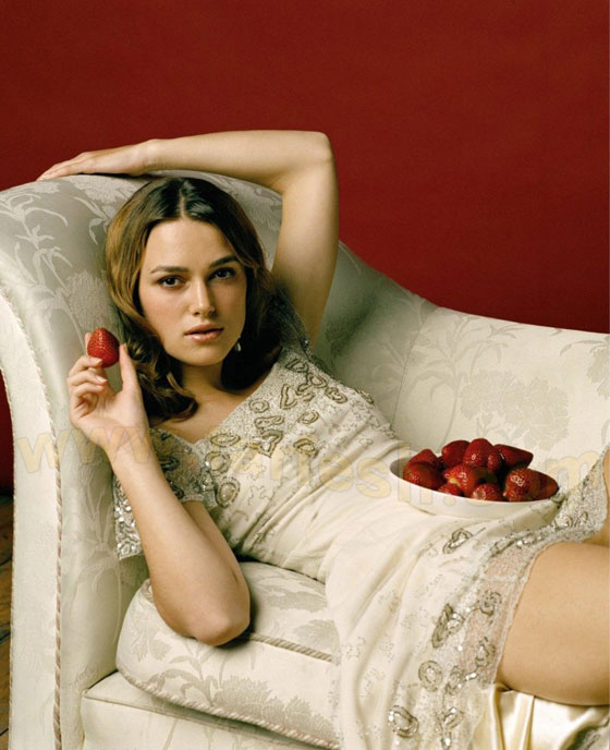 http://images.farfesh.com/articles_images/1FARFESHPHOTOS/CELEBRITIES/INTERNATIONAL/KeiraKnightley/KeiraKnightley-16.jpg