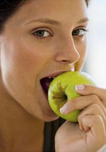 حاربي سرطان الثدي بتفاحة!