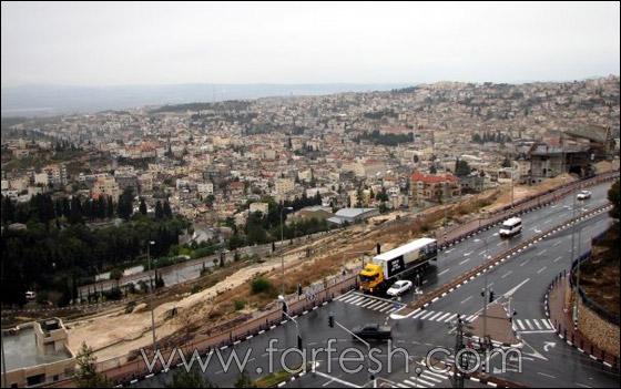 الناصرة بلد رمضانها مسيحي ومطرانها مسلم 18.jpg