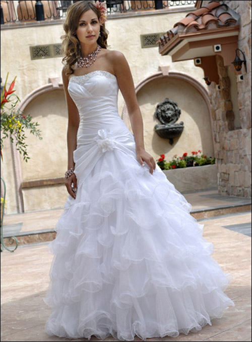 "������ ���� ""������ ���� 2010"" Wedding_Dresses1.jpg"