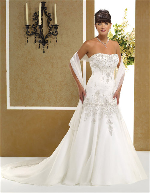 "������ ���� ""������ ���� 2010"" Wedding_Dresses11.jpg"