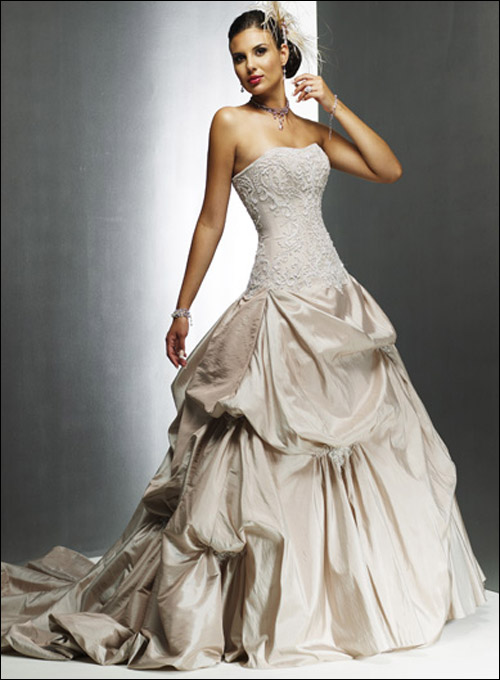 "������ ���� ""������ ���� 2010"" Wedding_Dresses23.jpg"