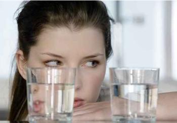الماء يحافظ على ذكاء المرأة!! water.jpg