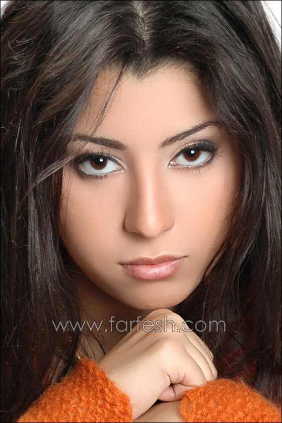 http://images.farfesh.com/articles_images/2010/06/30/ayten_amer3.jpg