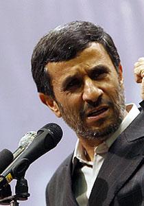 """الرئيس أحمدي نجاد يكره الأخطبوط بول ويعتبره """"غبياً""""!!"""