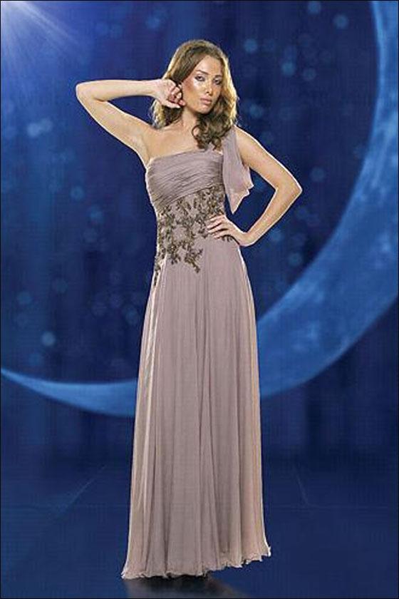 إليكن.. أجمل الفساتين لخريف وشتاء 2011