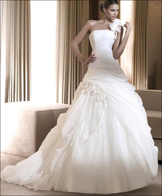 اجمل فساتين زفاف بس لعيونكم الحلوة dress8.jpg
