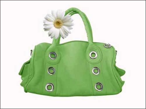 نعرض لكم تشكيلة رائعة من الحقائب اليدوية!!