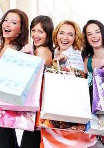 تعرفوا على الـ9 اسباب وراء هوس النساء بالمشتريات!!