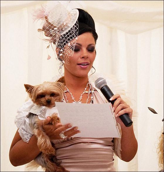 بالصور.. اغلى زفاف في تاريخ بريطانيا والعريس.. كلب!