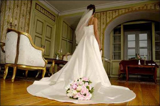 اليكن.. مجموعة رائعة من باقات الورود للعرائس!!!