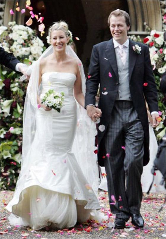 أجمل فساتين عرائس ارتدتها النجمات Sara-Buys-marries-Tom-Parke.jpg