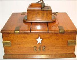 اكتشاف بقايا سفينة تايتانيك في غرفة نوم امريكية!!