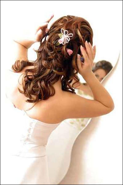 اليكن ايتها العرائس.. اجمل تسريحات الشعر!