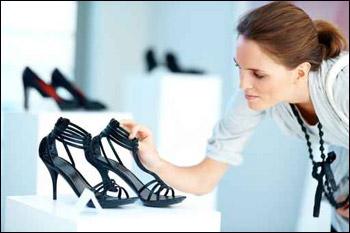 من أحدث الأحذية والصنادل 2011