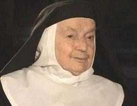 بعد 84 عام: راهبة ستغادر الدير لاول مرة لتلتقي بالبابا بيندكتوس!