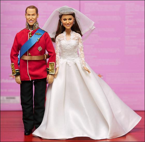 من يرغب بشراء الأمير وليام وكيت عليه بالذهاب إلى متجر هامليز!  Kate2