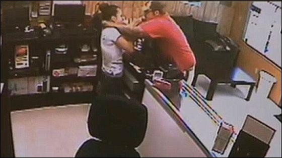 سارق قتل عاملة في متجر واخفى جثتها في صندوق سيارتها! بالفيديو hernandez2.jpg