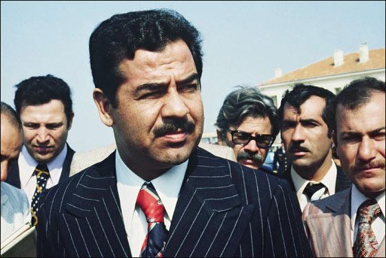 عشيرة صدام حسين تعزي عائلة القذافي وتتوعد للأخذ بثأره!!