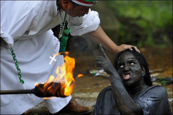 أغرب صور من حول العالم لعام 2011 Best_pic_17