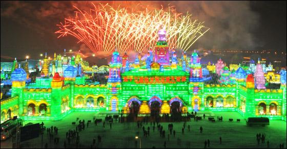 مهرجان الجليد في الصين يعرض منحوتات فائقة الجمال!