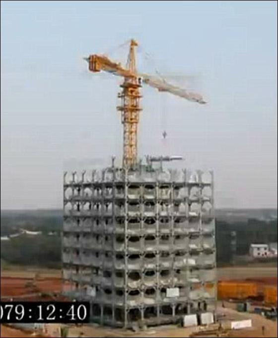 صينيون يبنون فندق من 30 طابق في غضون 15 يوما فقط!