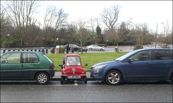 بريطانيون يحاولون اعادة تصنيع اصغر سيارة في العالم!