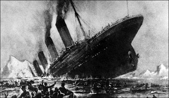 """تكريم رجل انقذ امرأة من كارثة غرق الـ""""تايتانك"""" بعد 100 عام!"""