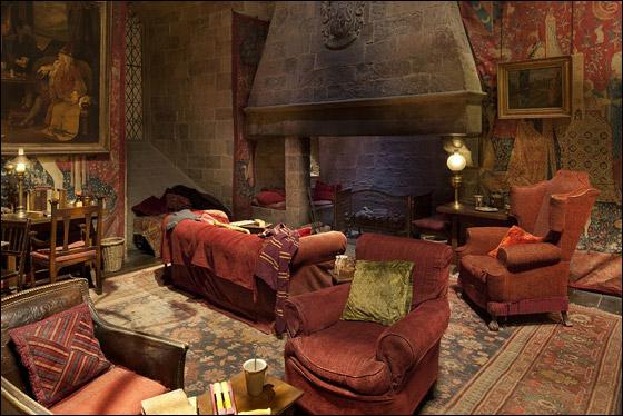 تعالوا معنا في رحلة الى قلعة هاري بوتر من خلال الصور!