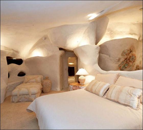 بالصور: منزل عائلة فلينستون معروض للبيع بـ3.5 مليون دولار!!