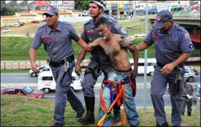 خلافه مع زوجته يسبب بانقطاع الكهرباء عن نصف مليون مواطن برازيلي