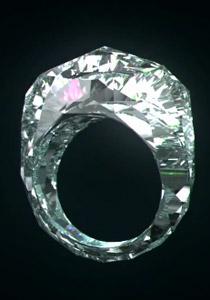 لاول مرة في التاريخ.. خاتم مصنوع كليًّا من الألماس فقط!