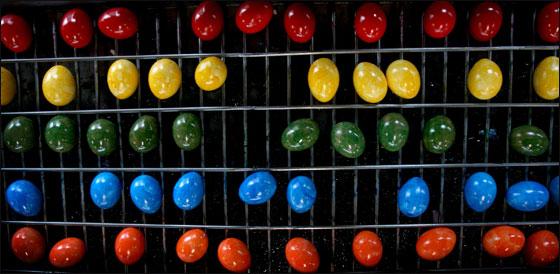 المانيا: بيض ملوّن بجميع الالوان بمناسبة عيد الفصح