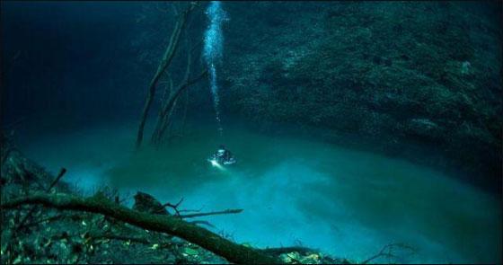 غريب جدا.. اكتشاف نهر تحت سطح المياه بالمكسيك!!