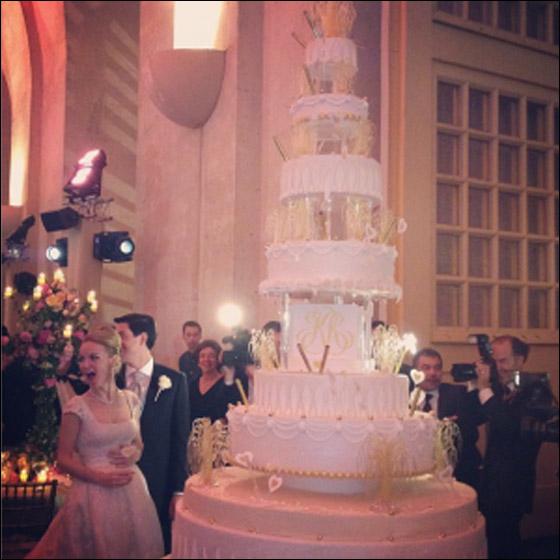 ملياردير سوري يقيم حفل زفاف لابنته بـ100 مليون دولار!!
