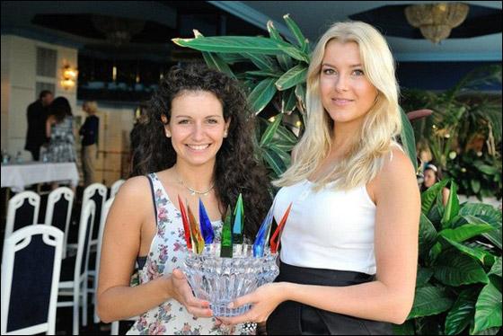 بالصور: المانية شقراء تفوز بلقب ملكة جمال العالم للصم 2012