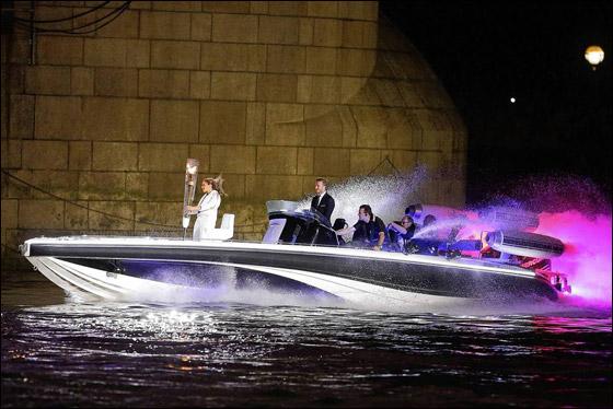 احتفال ضخم بتاريخ وثقافة بريطانيا بافتتاح اولمبياد لندن 2012! London_Olympics_02.j