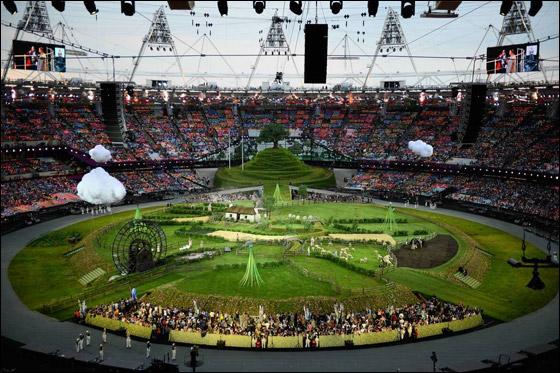 احتفال ضخم بتاريخ وثقافة بريطانيا بافتتاح اولمبياد لندن 2012! London_Olympics_10.j