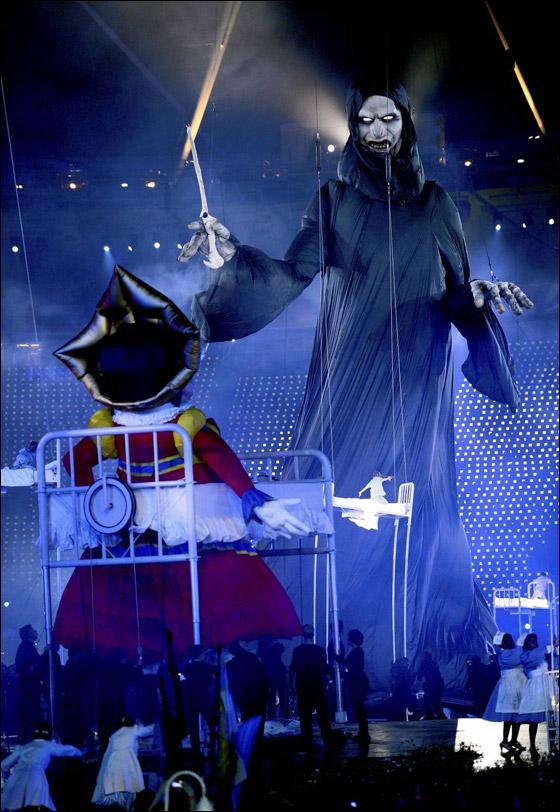 احتفال ضخم بتاريخ وثقافة بريطانيا بافتتاح اولمبياد لندن 2012! London_Olympics_12.j