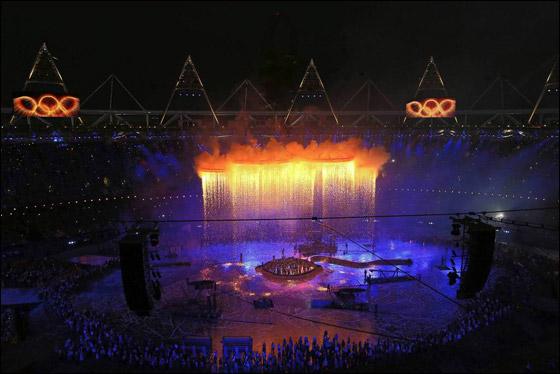احتفال ضخم بتاريخ وثقافة بريطانيا بافتتاح اولمبياد لندن 2012! London_Olympics_13.j