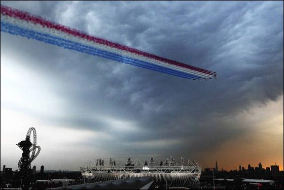 احتفال ضخم بتاريخ وثقافة بريطانيا بافتتاح اولمبياد لندن 2012! London_Olympics_14.j