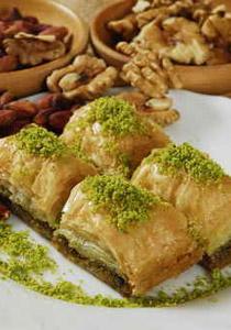 """اليك طريقة تحضير حلوى اللفائف التركية """"ساري بورما""""!"""