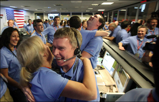 ناسا تحقق النجاح بهبوط اول مركبة فضاء على المريخ!