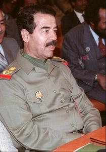 """الرجل الذي حفر لصدام حسين """"حفرة العنكبوت"""" يخرج عن صمته"""