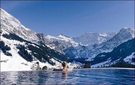 اليكم بالصور أفضل 10 برك سباحة حول العالم
