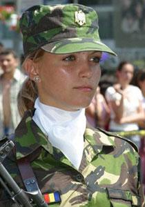 جيش رومانيا يتفوق على جيوش العالم بجمال نسائه