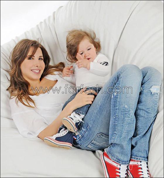 نانسي عجرم تتلقى عروض زواج لابنتيها على فيس بوك!