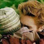 هناك شخص اريد اعاتبه بقسوة ثم احتضنه ...
